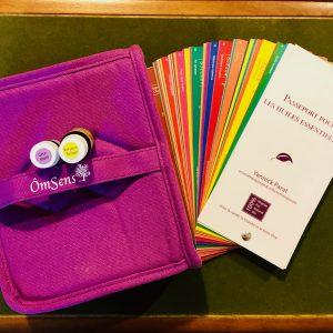 """Pack """"Organiser ses huiles essentielles"""" grand format Sac coton huiles essentielles Géranium et Verveine du Yunnan + livre huiles essentielles"""